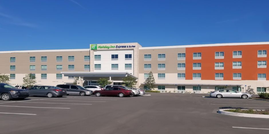 Holiday Inn Express & Suites Tampa East